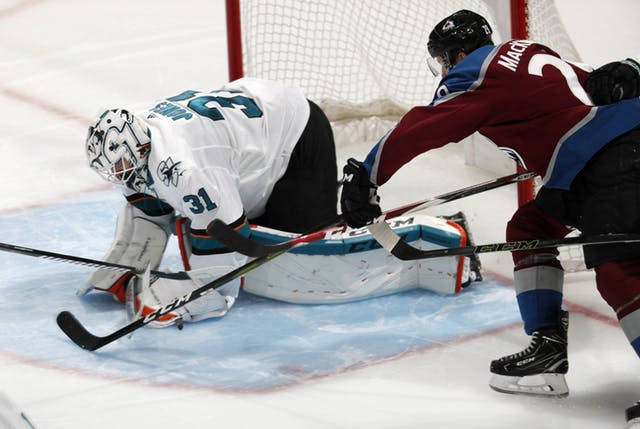 SHARKS_AVALANCHE_HOCKEY_55245801